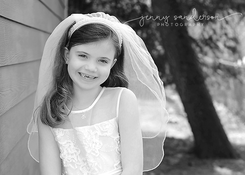 first communion dress, first communion poses, best photographer in Park Ridge, IL, B&W