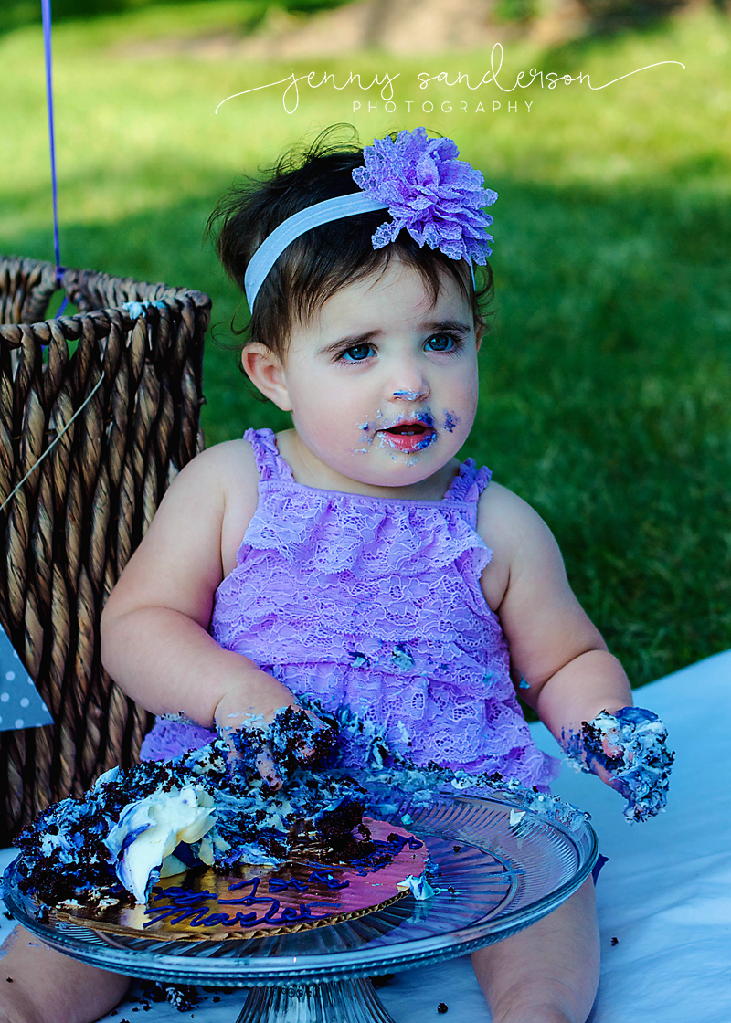 smash cake, first birthday photo shoot outfit, best photographer in Park Ridge, IL, best child and family photographer in Chicago suburbs