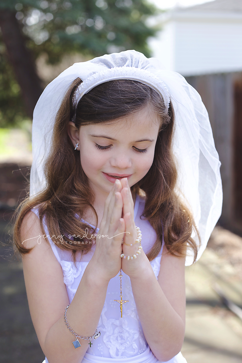 best poses for first communion, best child and family photographer in Park Ridge, IL, chicago photographer